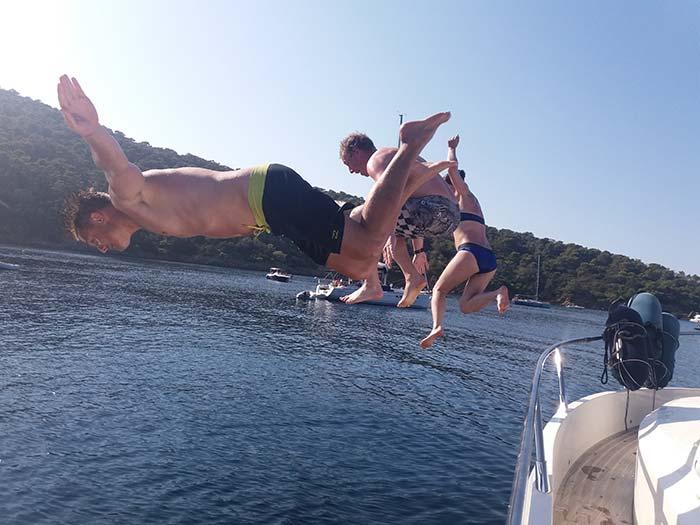 girolata-stephane-Du bonheur � l'eau - Concours de plongeon